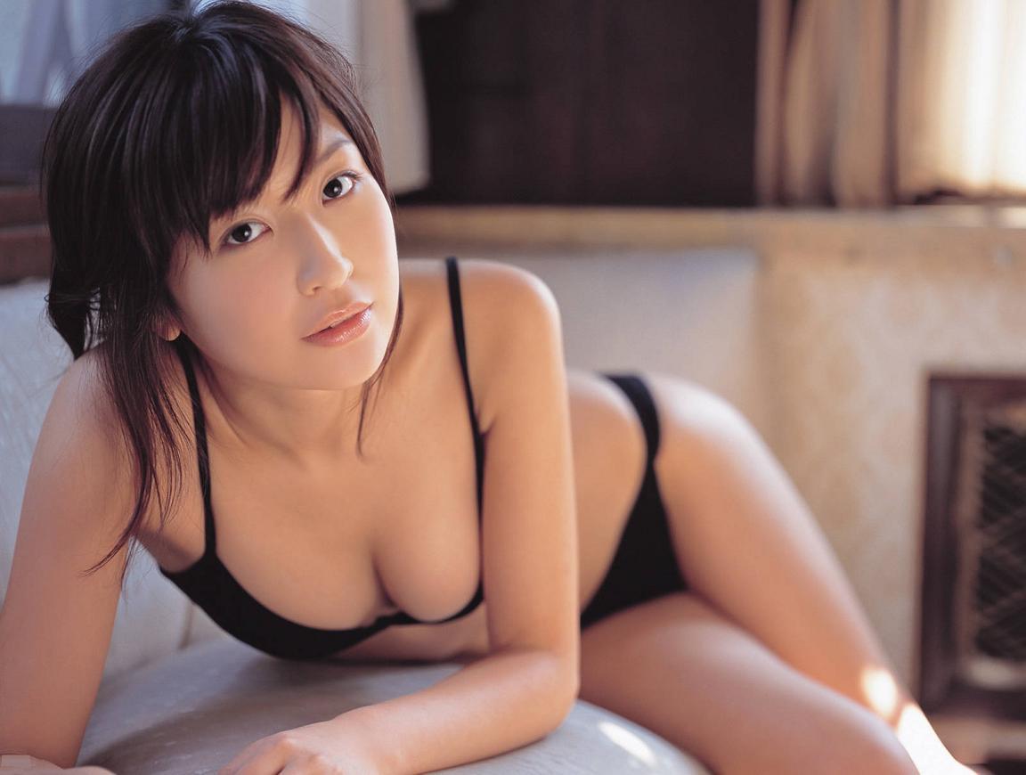 小野真弓さんの水着